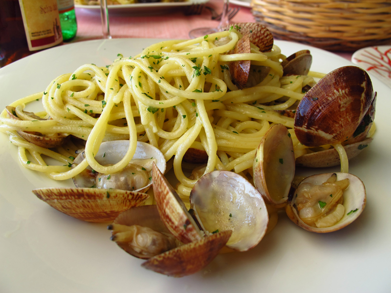 restaurante-cocina-napolitana-barcelona-espaghetti-con-almejas