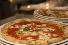 restaurante-cocina-napolitana-barcelona-pizzeria