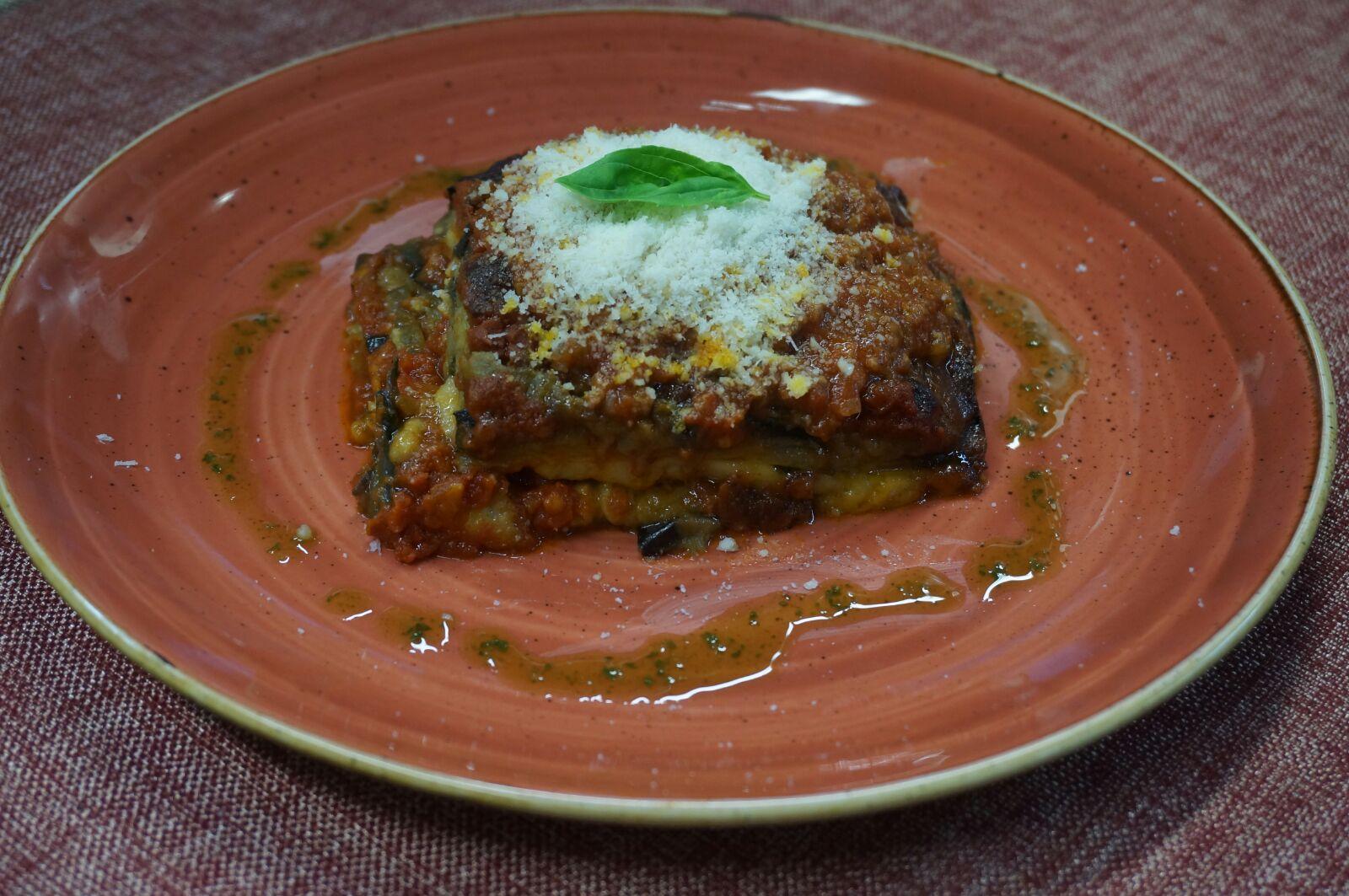 Lasagna con Salsa Bolognesa ,Parmesano y Bechamel