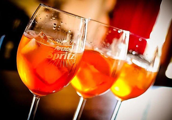 aperol-spritz-cocktails-barcelona
