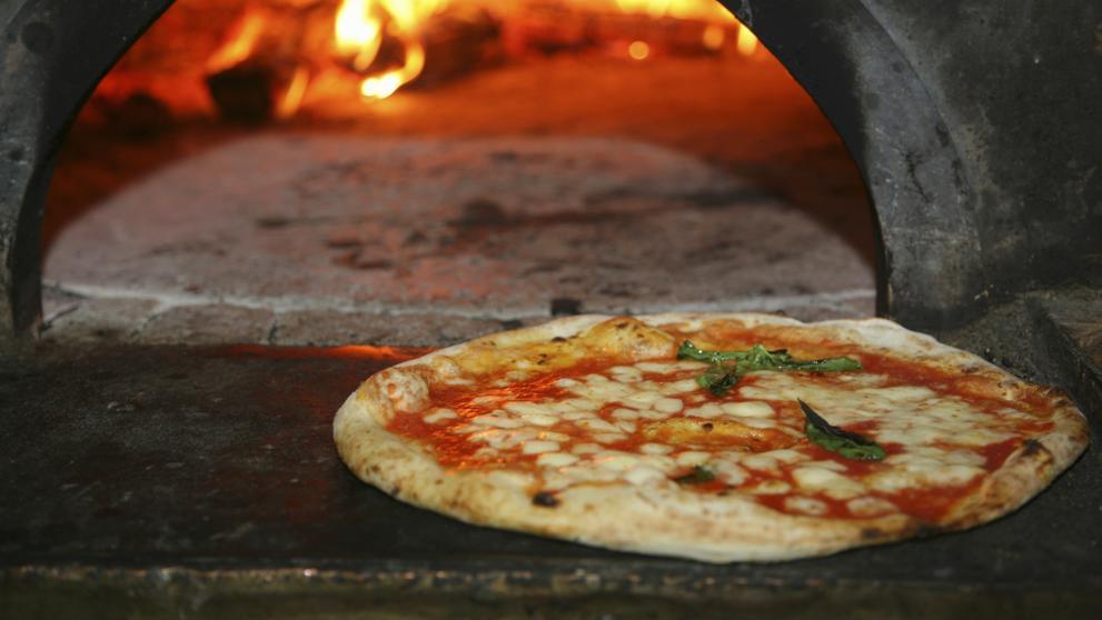 En napoles encuentras la mejor pizza del mundo y en luigi for Mundo pizza la algaba